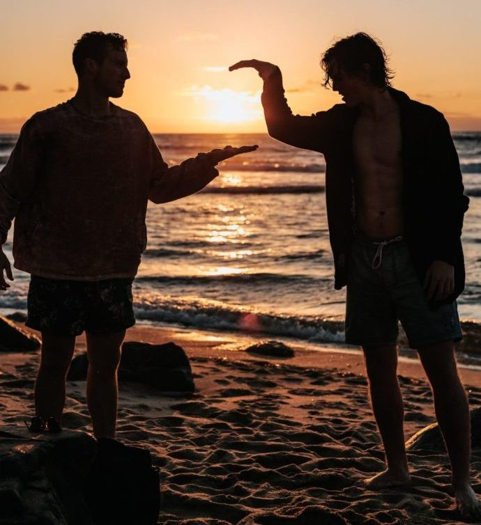 brothers-high-fiving-at-beach-soulcon
