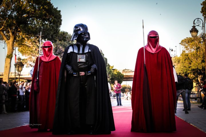 darth-vader-in-church-star-wars-pop-culture