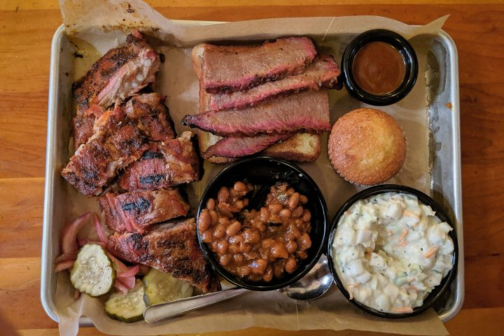 23-barbecue-tips-bbq-food-tray-plate